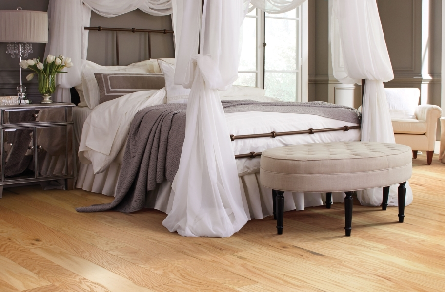 Bedroom Color Trends: Shaw Albright Oak Engineered Wood