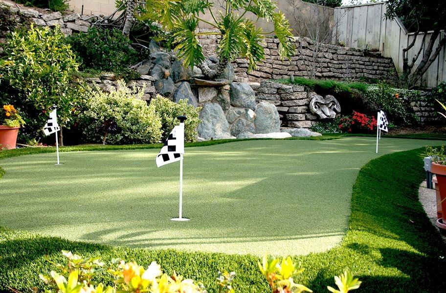 Artificial Grass Myth 9: Putting Green Mats